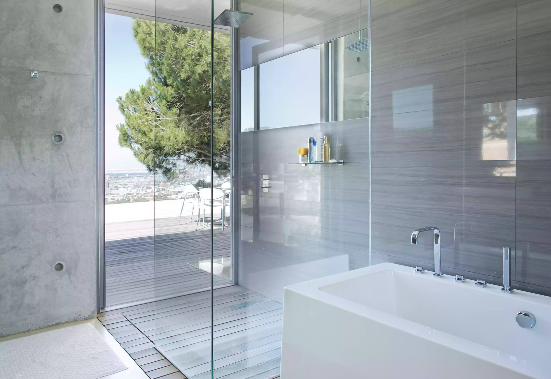How to choose the best bathroom flooring in Montreal, Quebec, Canada?
